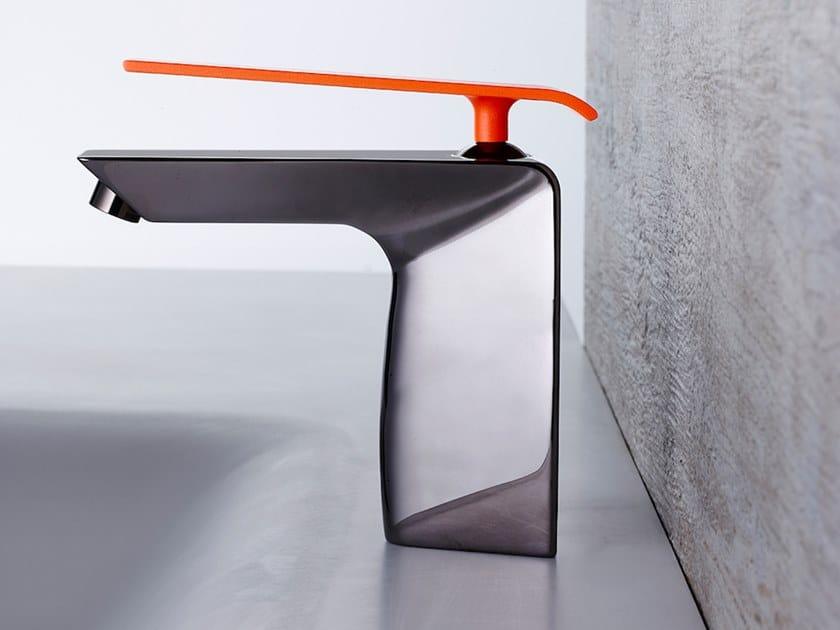 Single handle washbasin mixer BOOMERANG DARK NICHEL by Gattoni Rubinetteria