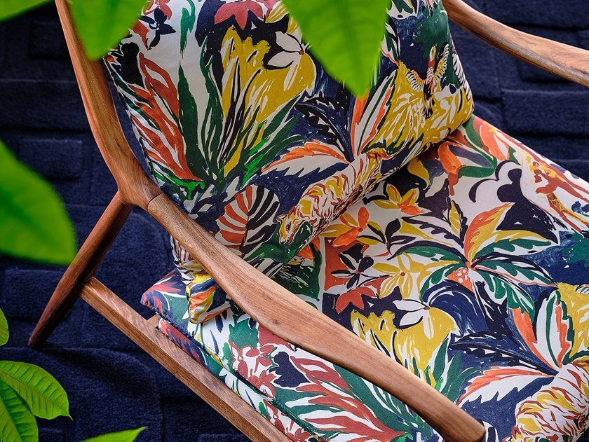Fabric with floral pattern BOTANICAL DREAM by Aldeco