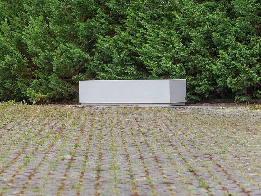 Backless concrete Bench BOX (200) by SIT
