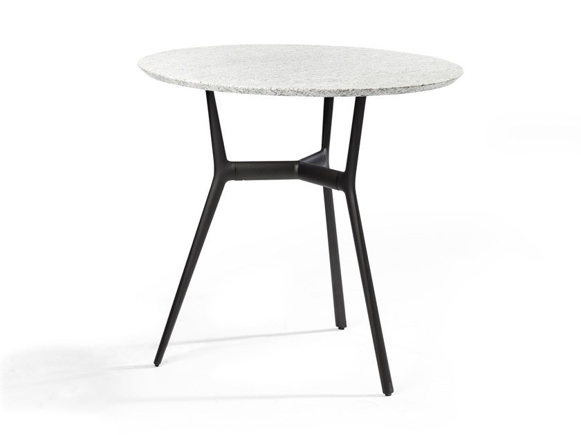Round granite and aluminium garden table BRANCH | Round table by TRIBÙ