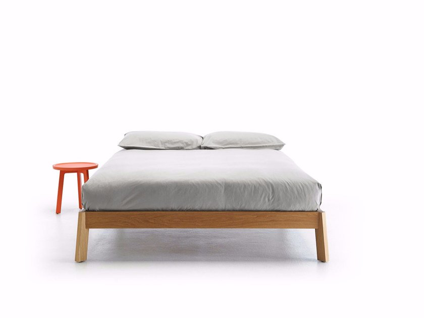 Wooden bed BREDA | Double bed by Punt