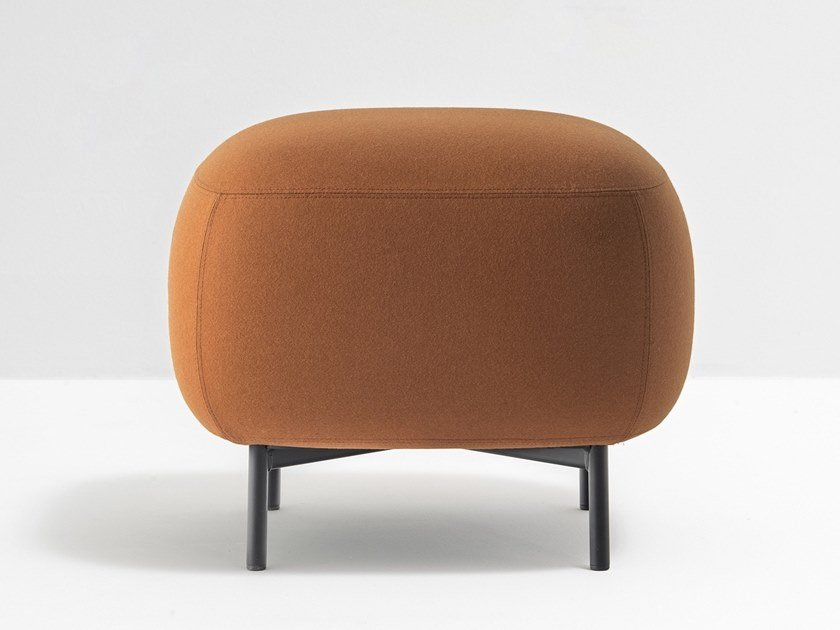 Upholstered square fabric pouf BUDDY 211 by PEDRALI