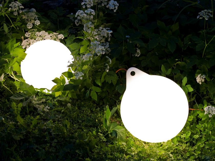 LED polyethylene Outdoor table lamp BUOY | Outdoor table lamp by Väliala