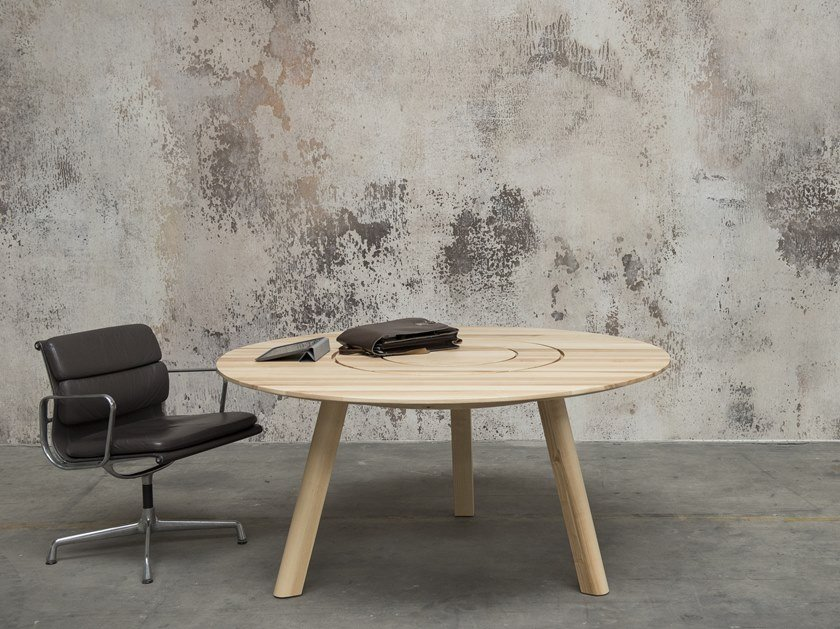 Round wooden meeting table BuzziPicNic Round by BuzziSpace