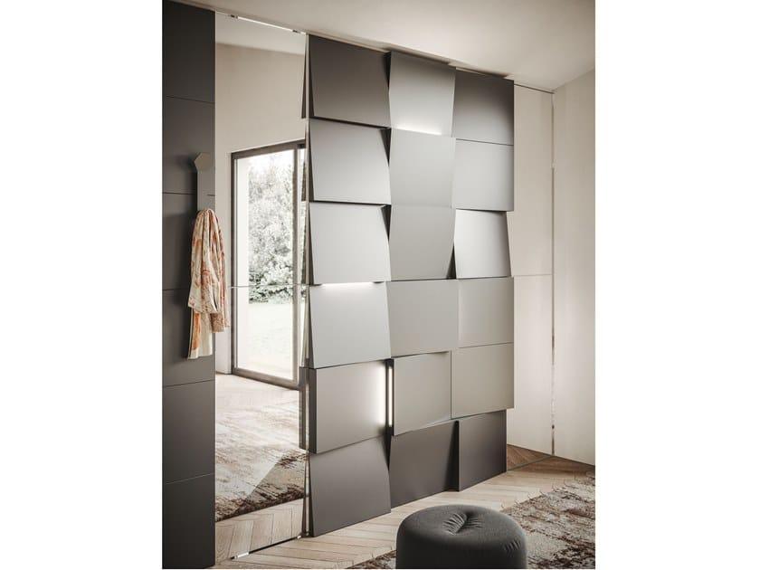 Boiserie in metallo con illuminazione integrata CADDY TILT by Ronda Design