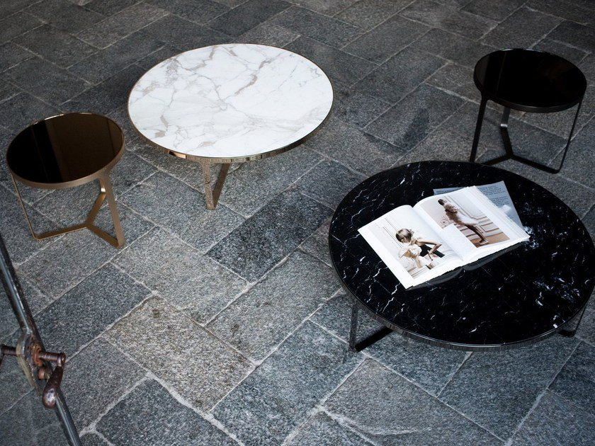 Low round marble coffee table CAGE | Round coffee table by Tacchini