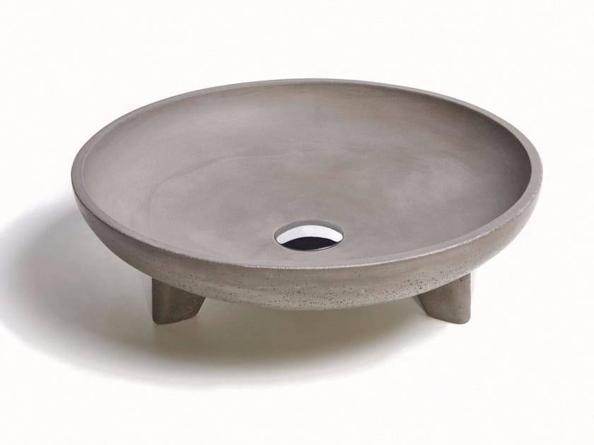 Countertop round concrete washbasin CALDERA by URBI et ORBI