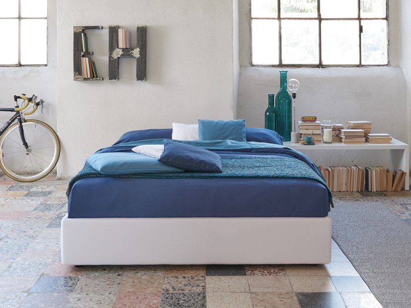 Upholstered double bed CAPE by Dorelan