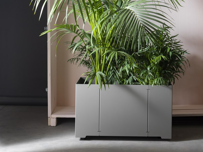 Rectangular galvanized steel planter with casters CAPE | Rectangular planter by Matière Grise