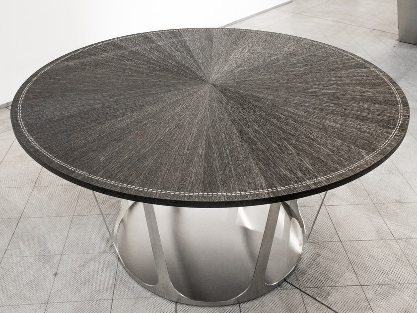 Round steel and wood kitchen table CAPSULE by Strato Cucine