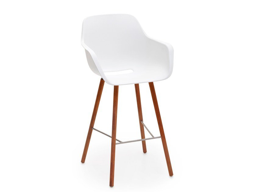 Polypropylene chair with footrest CAPTAIN WOODY'S CHAIR | Chair by Extremis