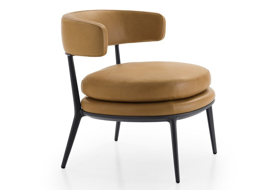 Leather easy chair with armrests CARATOS | Easy chair by Maxalto