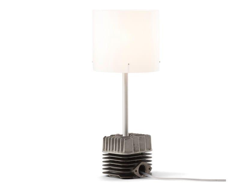 Lampada da tavolo in alluminio anodizzato carlo studio entwentythree