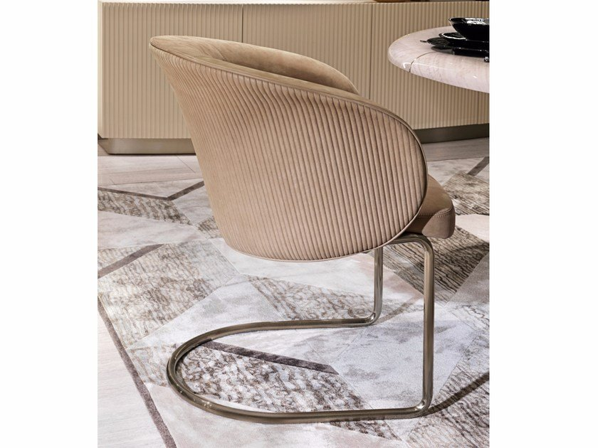 Cantilever upholstered fabric easy chair with armrests CARMEN | Cantilever easy chair by Visionnaire