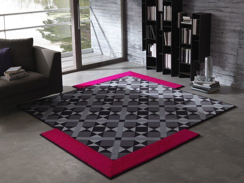 Handmade rug with geometric shapes CARNABY by Besana Moquette
