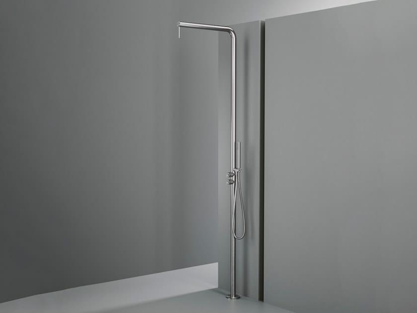 Duschsäule aus Edelstahl mit Bodenbefestigung Q. CD018.2 by Quadrodesign