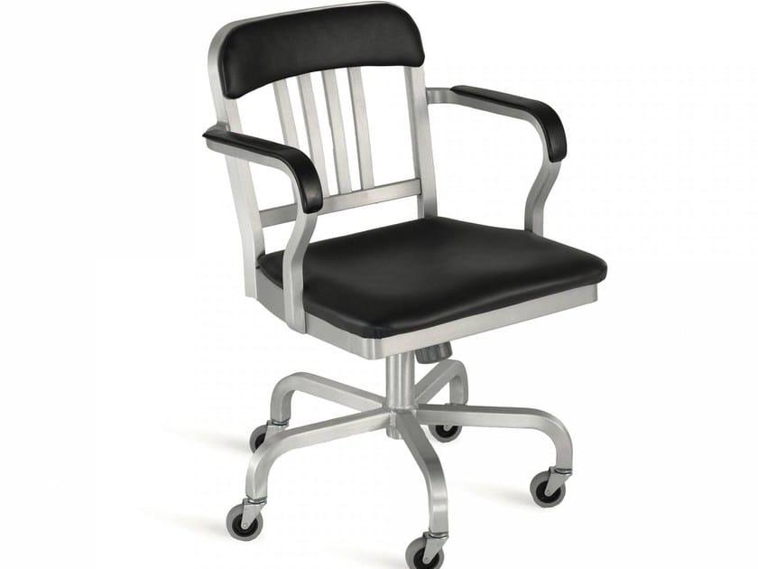 Sedia in alluminio a 5 razze con ruote NAVY® UPHOLSTERED   Sedia a 5 razze by Emeco