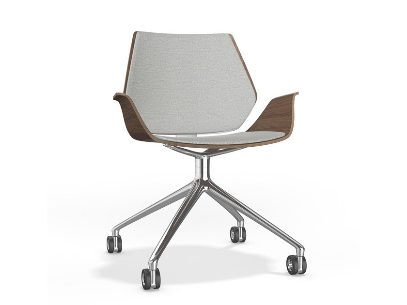 Swivel trestle-based chair with castors CENTURO VI | Chair with armrests by Casala