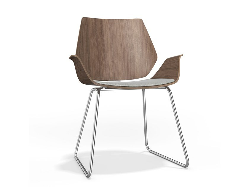 Sled base upholstered wooden chair with armrests CENTURO I | Chair with armrests by Casala