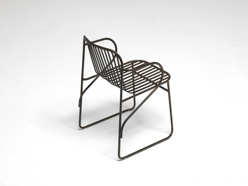 Steel garden chair with armrests RIVIERA by emu