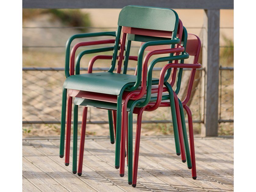 Stackable chair with armrests RIMINI | Chair with armrests by iSimar