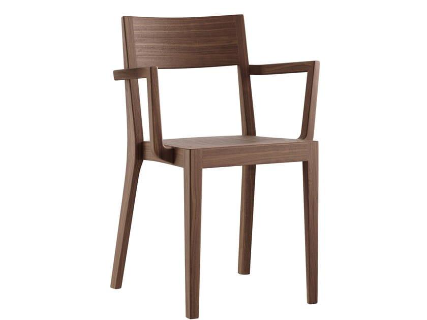 Sedia impilabile in legno massello con braccioli MIRO   Sedia con braccioli by horgenglarus