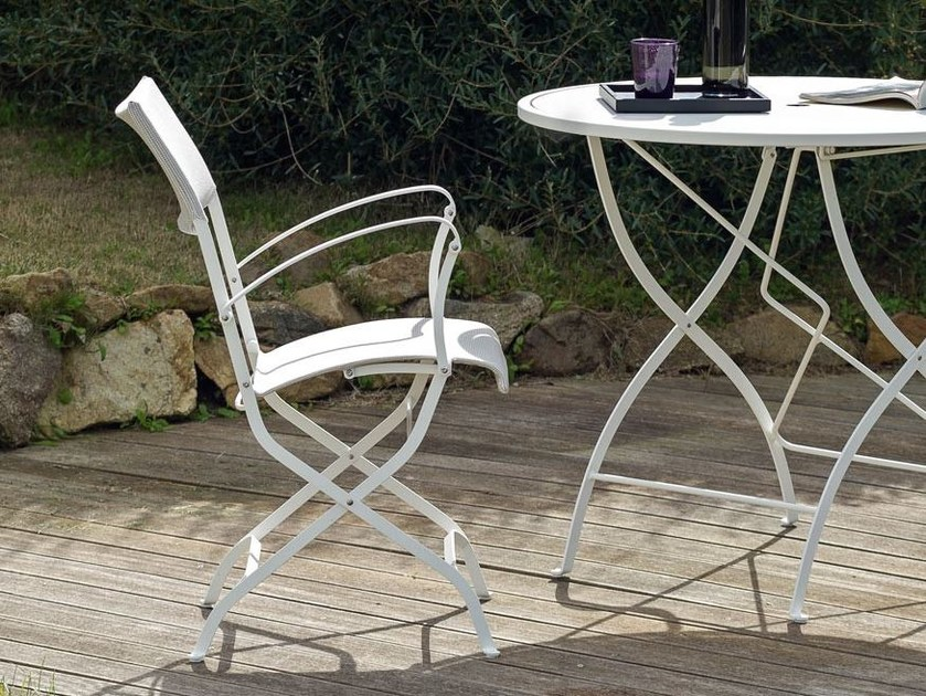 Folding garden chair with armrests MINERVA | Chair with armrests by Unopiù