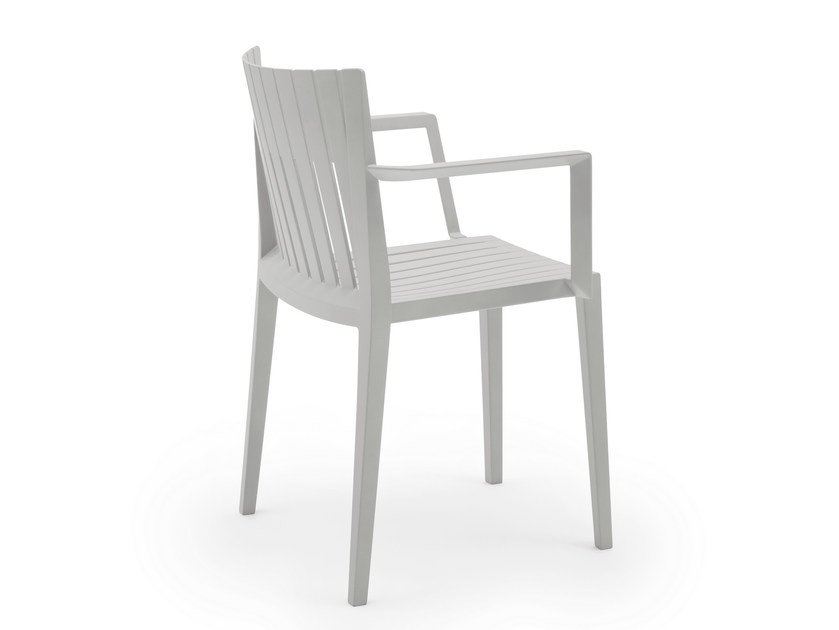 Polypropylene garden chair with armrests SPRITZ | Chair with armrests by VONDOM