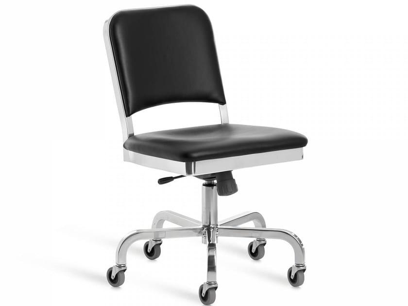 Sedia in alluminio con ruote NAVY® UPHOLSTERED | Sedia con ruote by Emeco
