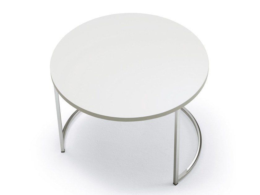 Low round coffee table CIN CIN | Lacquered coffee table by Pacini & Cappellini