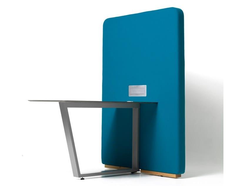 Scrivania ufficio con presa USB e pannello divisorio CIRCUIT MEDIA by Diemme