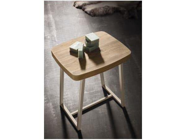 Oak bathroom stool CITY PLAY 168 by Cerasa