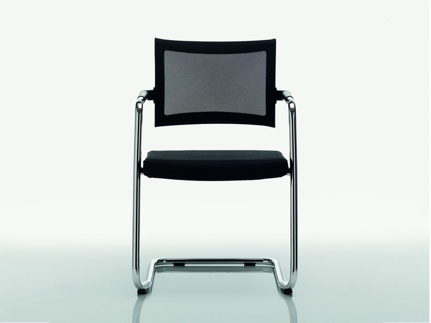 Cantilever fabric chair CLASSE | Fabric chair by Quadrifoglio