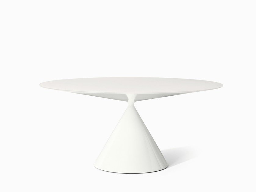Round living room table CLAY | Crystal table by Desalto