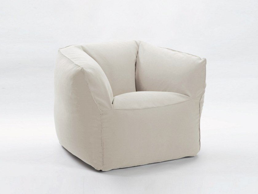 Upholstered fabric easy chair with armrests CLOUD by H&Co