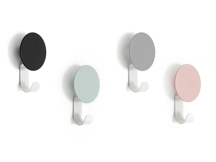 Gancio a parete in metallo DIAL   Appendiabiti by DesignByThem