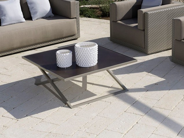 Square aluminium garden side table ZOE | Coffee table by Braid