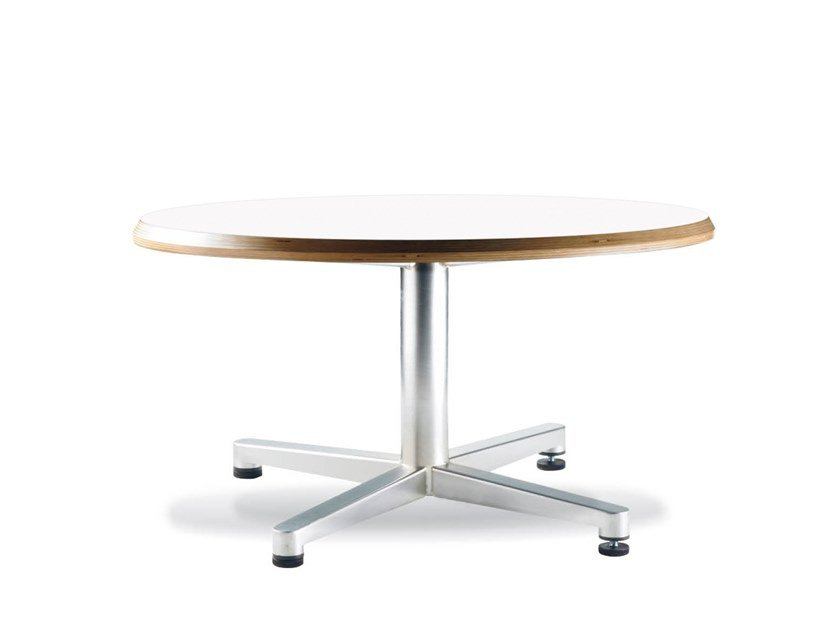 Round coffee table with 4-star base TWIN | Coffee table by Casala