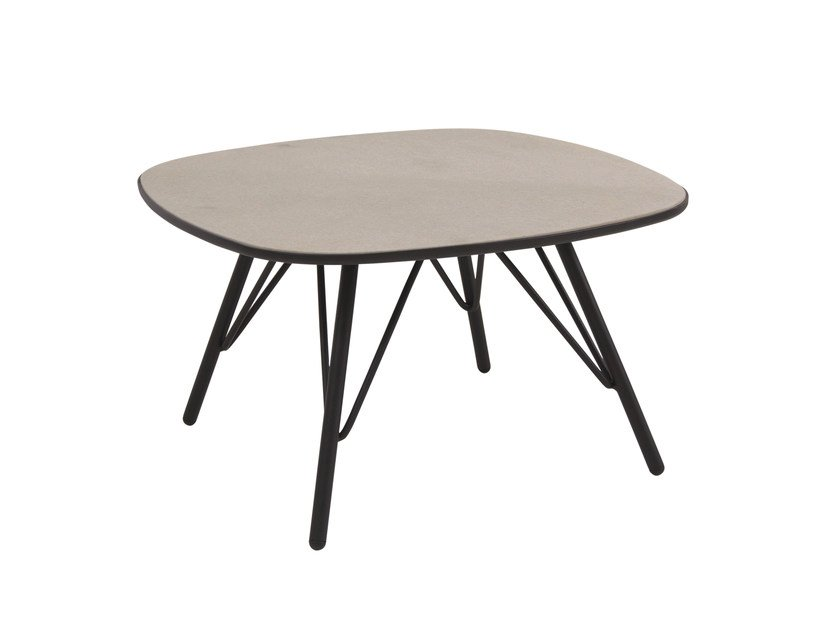 Square garden side table LYZE | Coffee table by emu