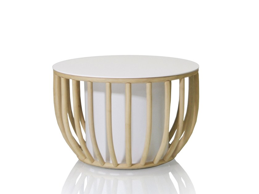 Low round rattan coffee table FRAMES   Coffee table by EXPORMIM
