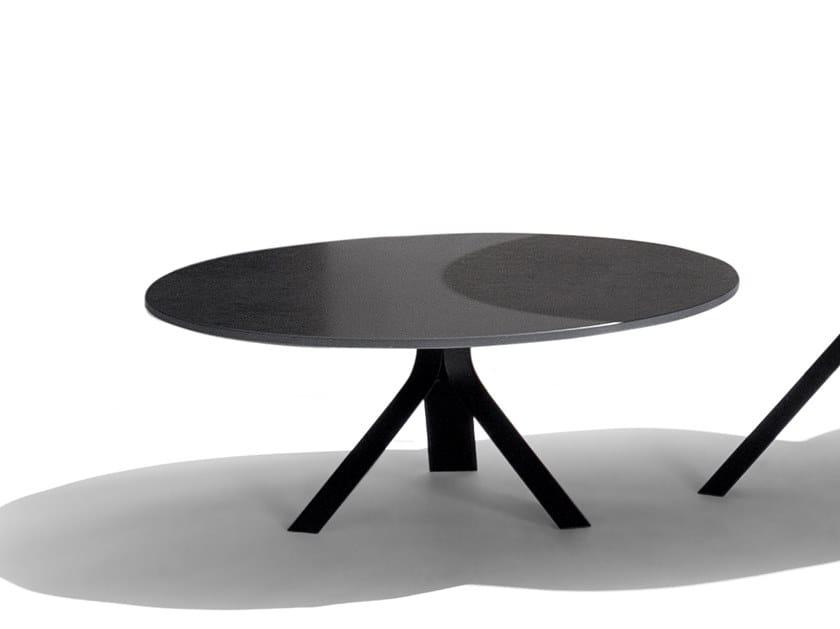 Round aluminium coffee table FIZZ | Coffee table by Joli