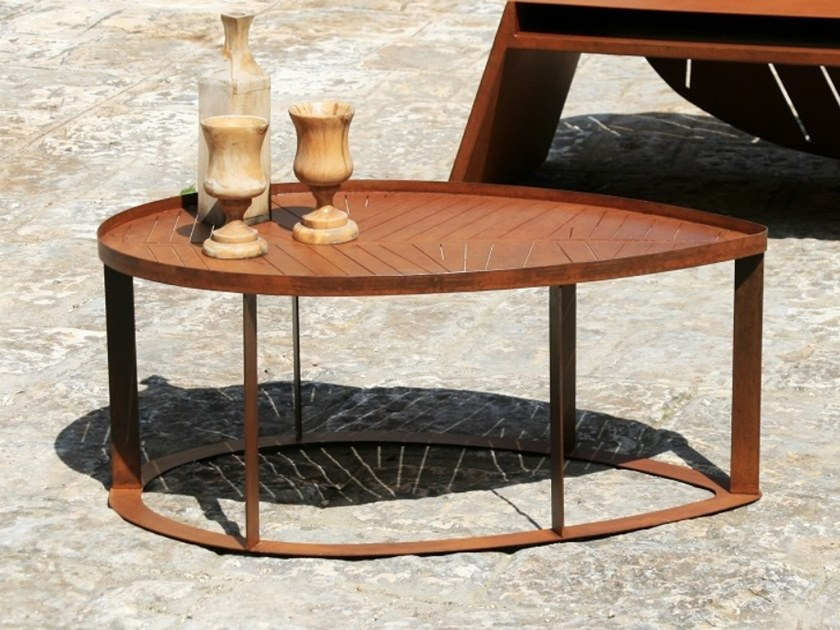 Corten™ garden side table LILA | Coffee table by TrackDesign