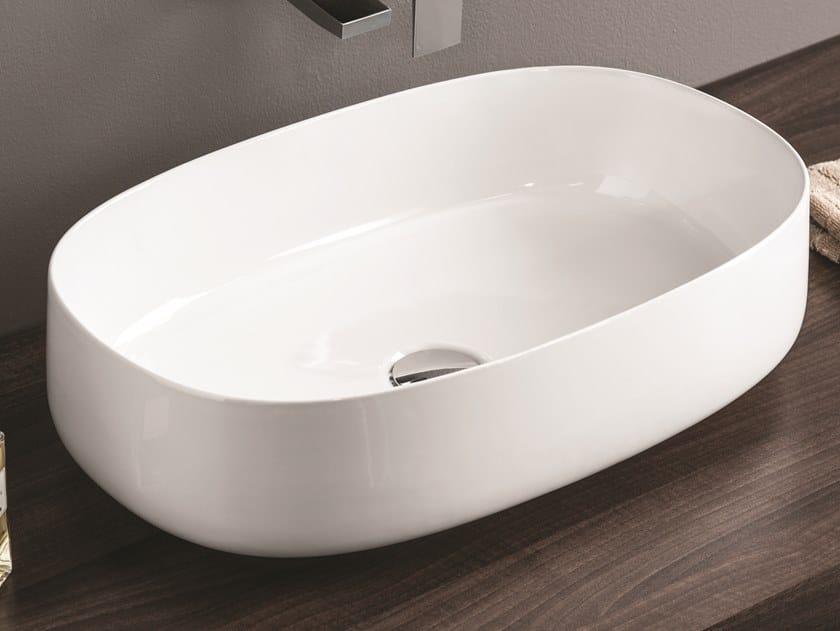 Vasque à poser ovale en céramique COGNAC   Lavabo ovale by Artceram