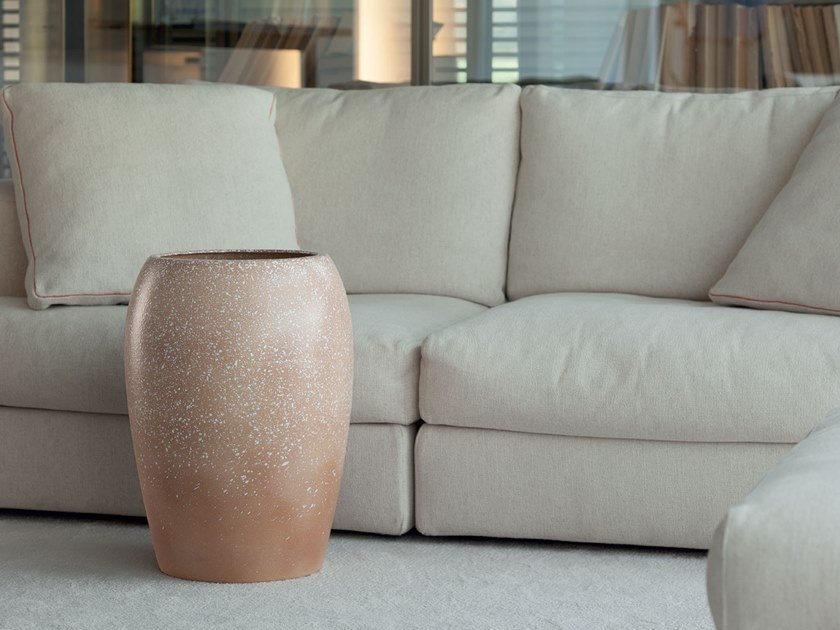 Ceramic vase COLLI ORIENTALI by Pot à Porter