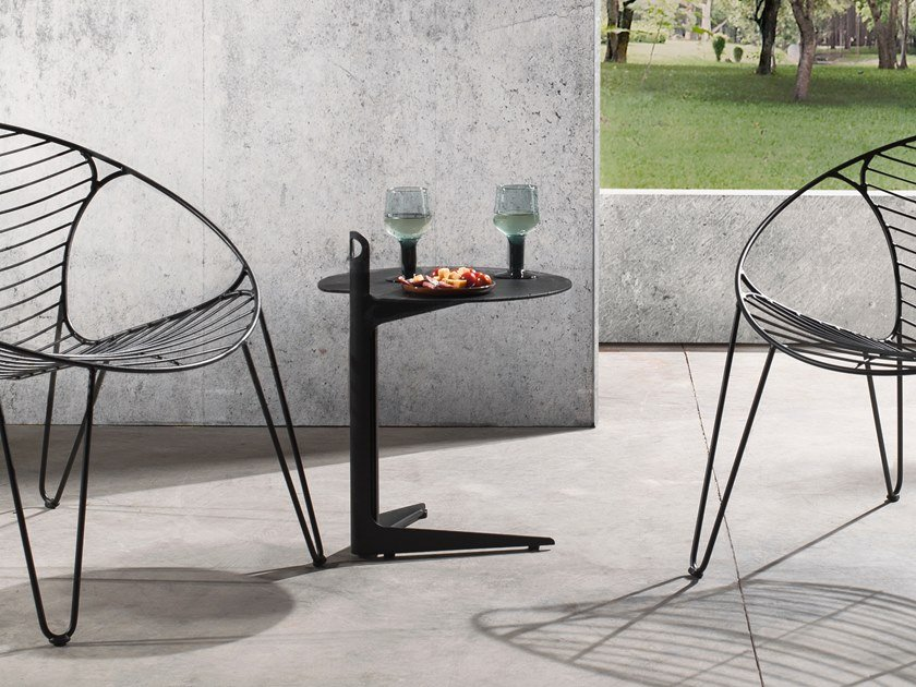 Round aluminium side table COLLINS by Joli