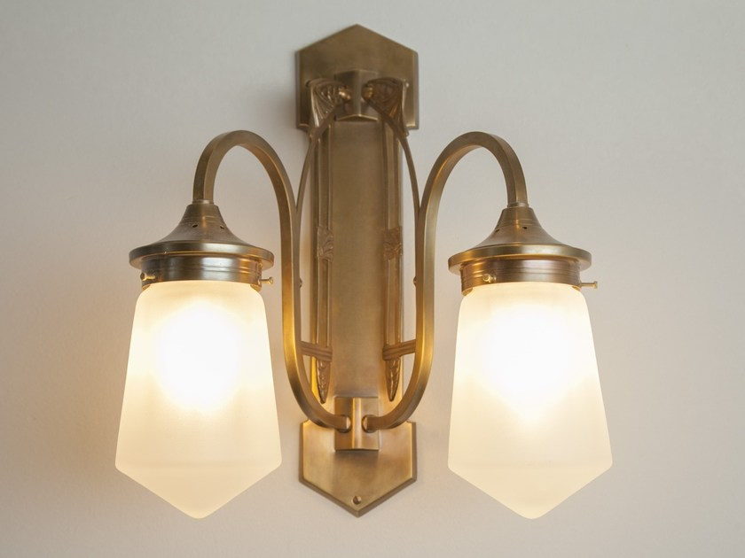 Brass wall lamp COLOGNE II | Wall lamp by Patinas Lighting