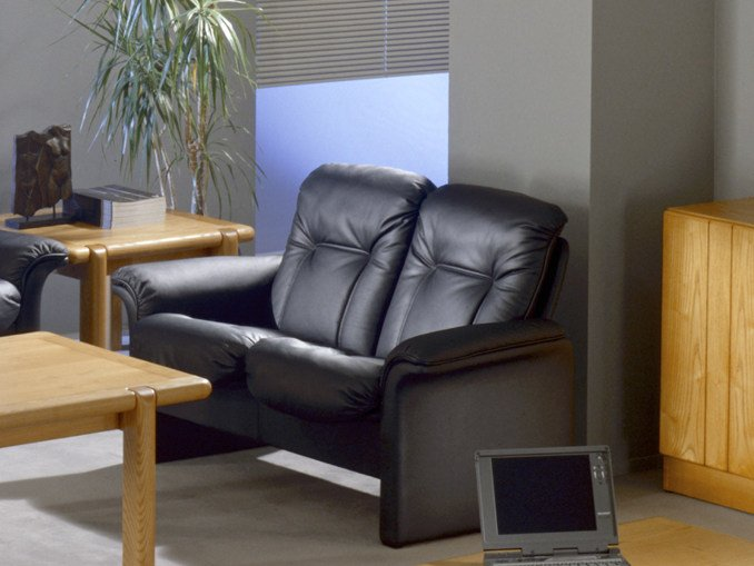 2 seater leather sofa COMMODORE | 2 seater sofa by Dyrlund