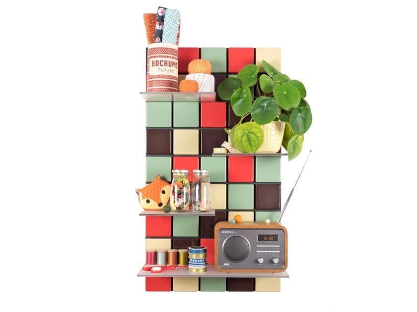Libreria modulare sospesa in ABS CONFETTI C09 by Pellington Design