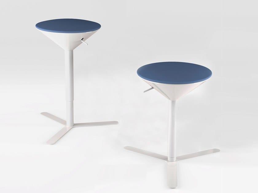 Cono sgabello basso collezione cono by estel group design jorge