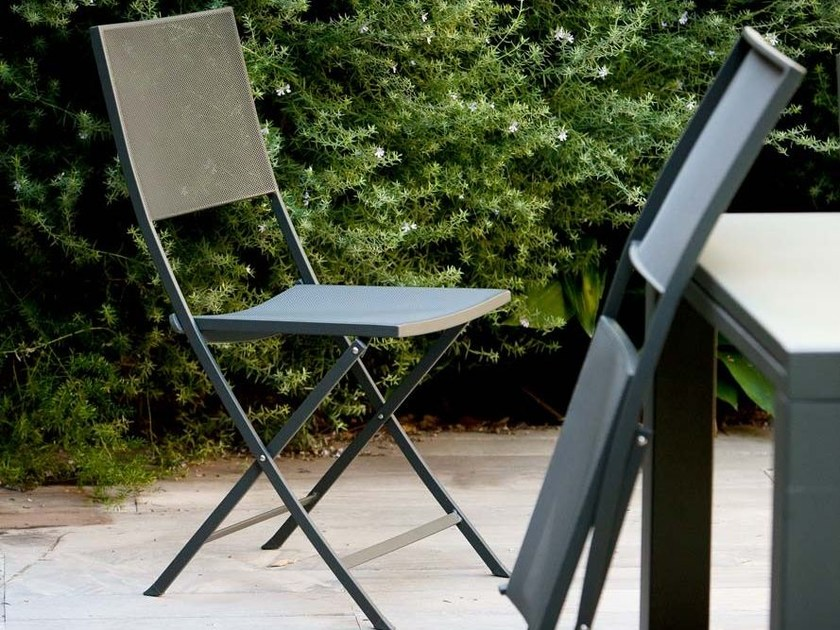 Folding iron garden chair CONRAD | Folding chair by Unopiù
